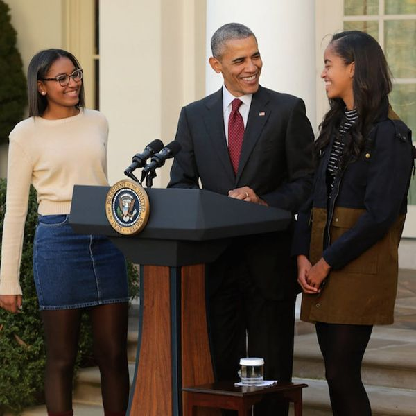 What We Can All Learn from Sasha and Malia Obama's Reaction to Donald Trump's Presidency