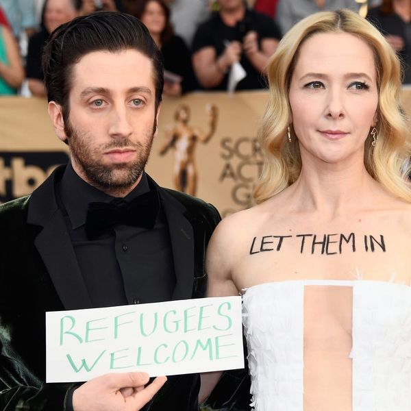 This Couple's SAG Awards Garb Was a Protest of President Trump's Immigration Orders