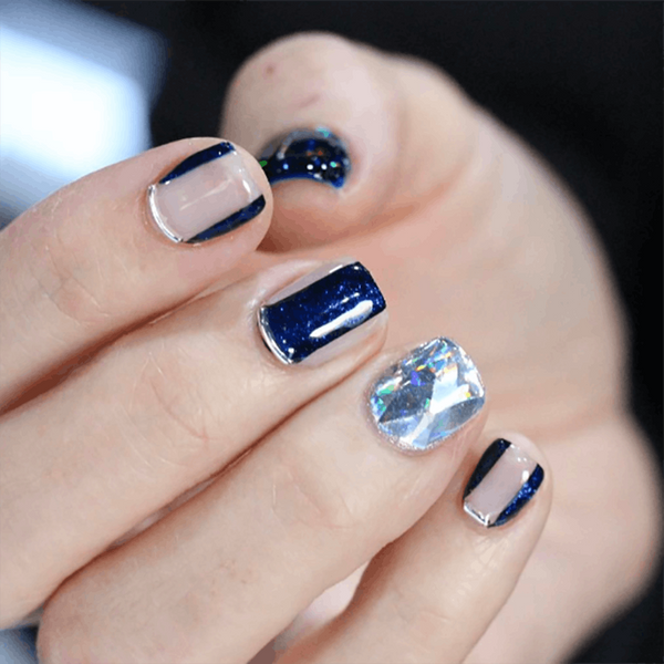 2017 Should Be the Year You Try Diamond Nails