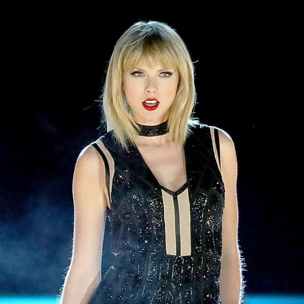 Taylor Swift's #WomensMarch Support Has Sparked Backlash for *This* Specific Reason