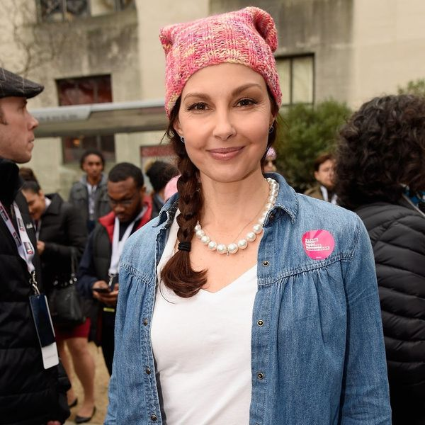 Here's Why Twitter Is at War Over Ashley Judd's Women's March Speech
