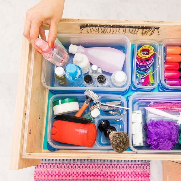 How to *Actually* Share A Bathroom Drawer With Your S.O.