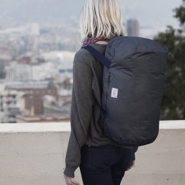 6 Things Every Minimalist Traveler Needs in Their Bag