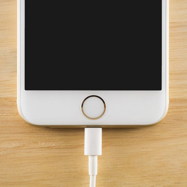 The iPhone 8 Might Have Wireless Charging