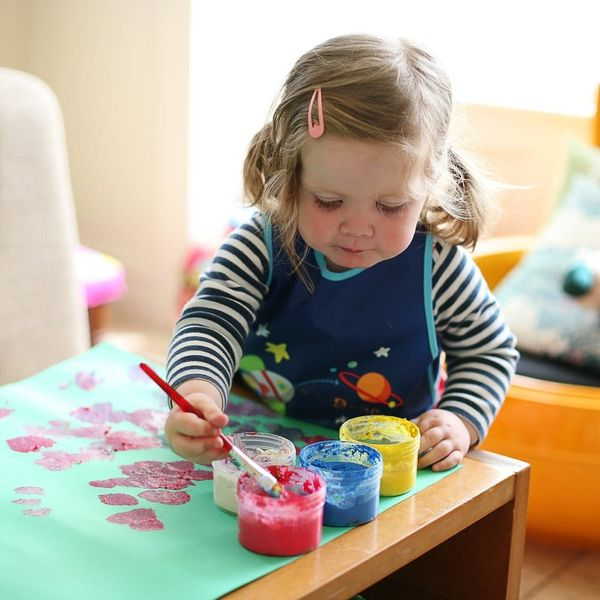 7 Arts and Crafts Bin Must-Haves for Your Toddler