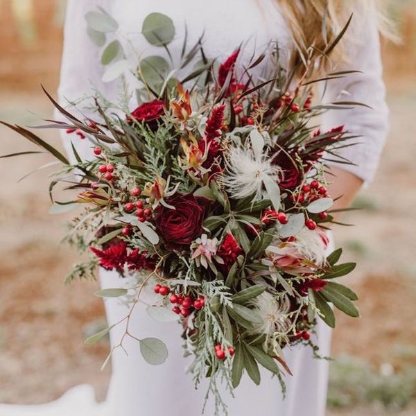 This Holiday-Inspired Shoot Will Convince You to Elope This Christmas