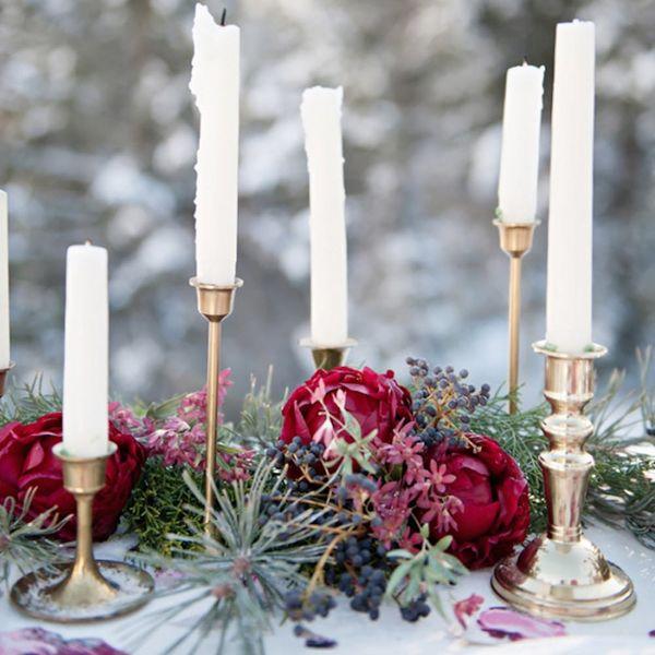 This Dark Floral Palette Is Taking Over Winter Wedding Season