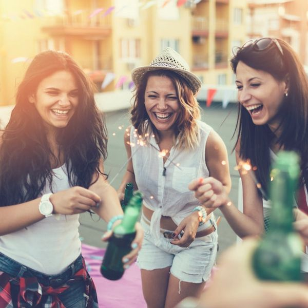 7 Group Travel Tools to De-Stress Your Girls' Weekend