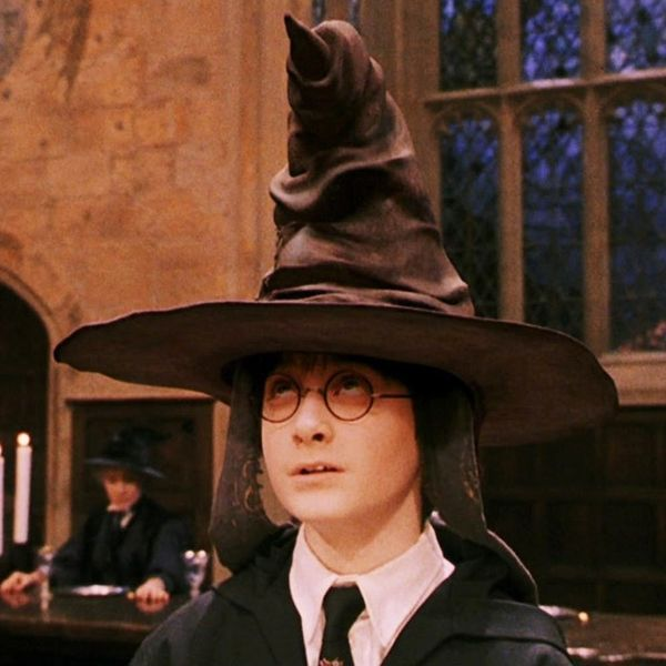 This Harry Potter Sorting Hat Bath Bomb Dissolves to Reveal Your Hogwarts House