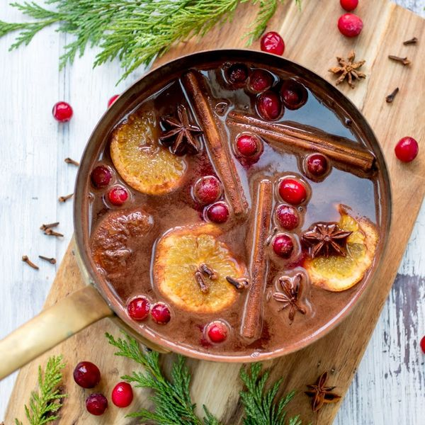 This Boozy Mulled Wine Hot Chocolate Recipe Is the Ultimate Festive Tipple!