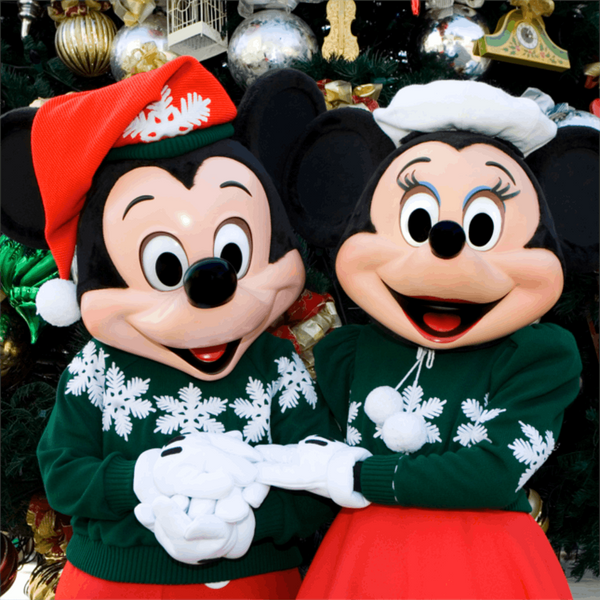 10 Unmissable Moments of Disneyland Holiday Magic