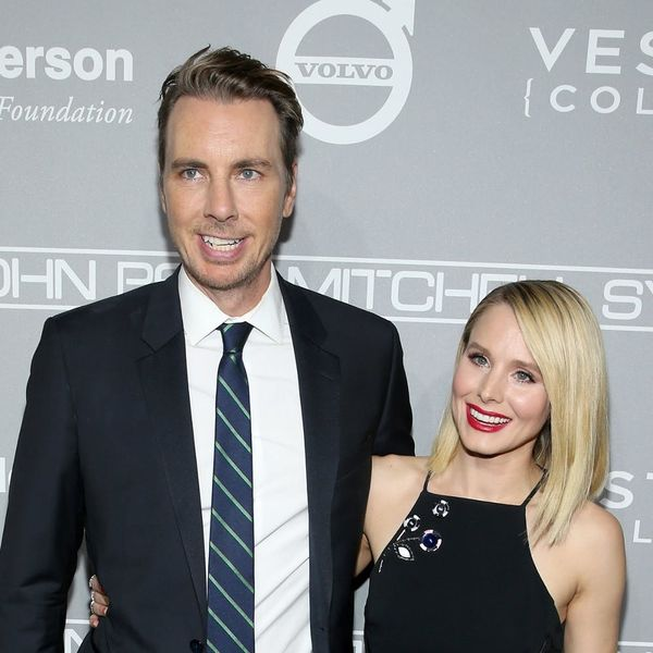 "Kristen Bell and Dax Shepard Swap Same-Sex Kisses at the ""Best Christmas Party Ever"""