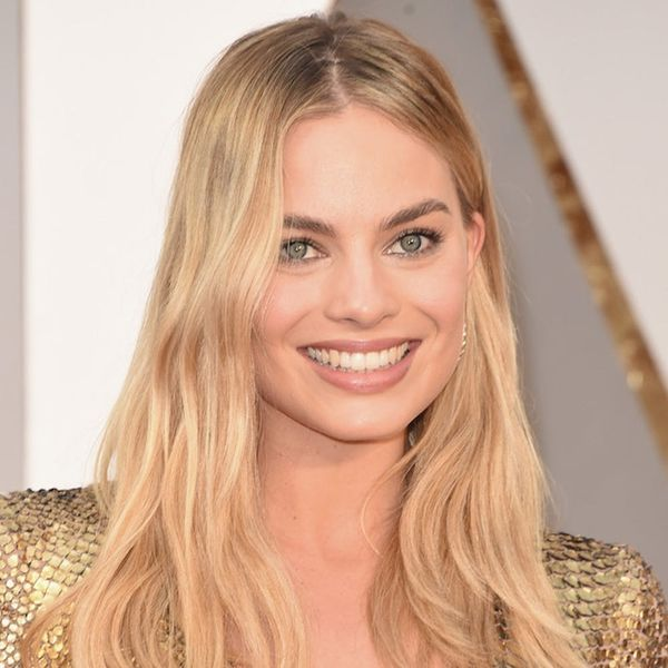 Morning Buzz! Margot Robbie's Hilarious Diamond Ring Reveal Just Pretty Much Confirmed Her Marriage + More