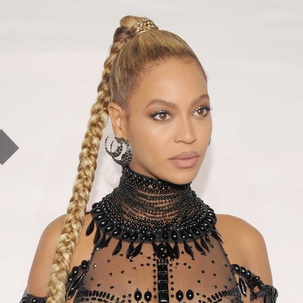 Uh Oh! Beyoncé Is Being Sued Over Her Drunk in Love Video