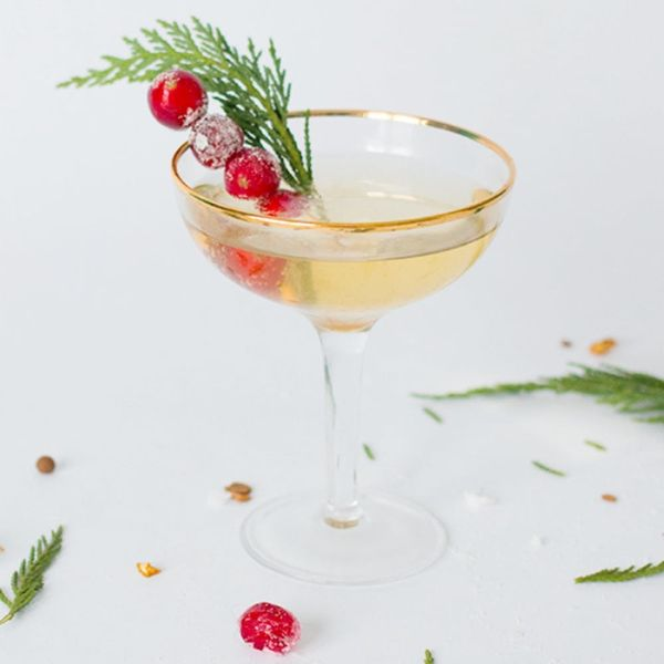 19 *Swell* Champagne Cocktail Recipes to Class Up Your Holiday Parties