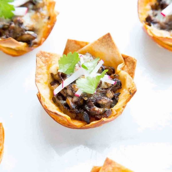 A Meatless New Year's Eve App: Chipotle Mushroom Taco Bites!