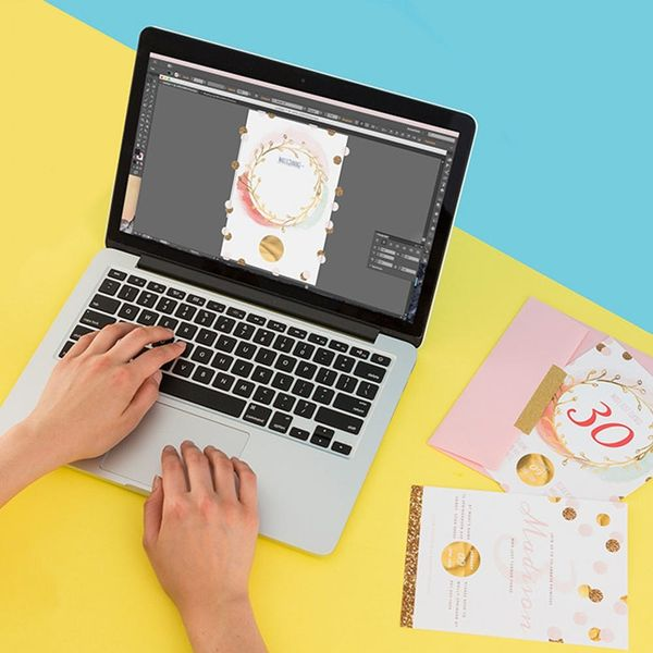 Gift Guide Alert! Your Aspiring Graphic Designer Friend Will Love These Online Classes