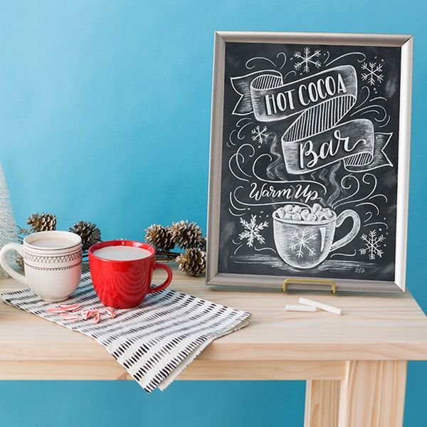 Warm Up Your Holiday Parties With This Cute DIY Hot Cocoa Bar Chalkboard Sign