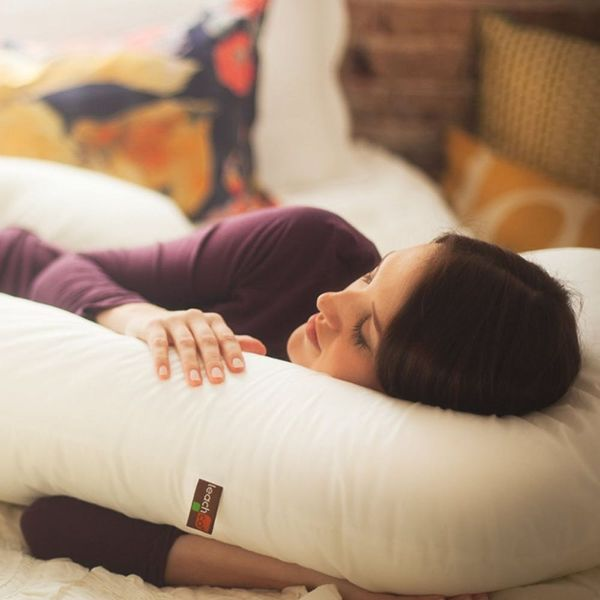 5 Pillows to Beat Pregnancy Insomnia