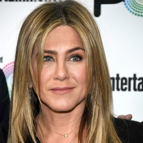 """Jennifer Aniston's Awkard Run-in With """"Rachel"""" on SNL Is Pure Comedic Gold"""