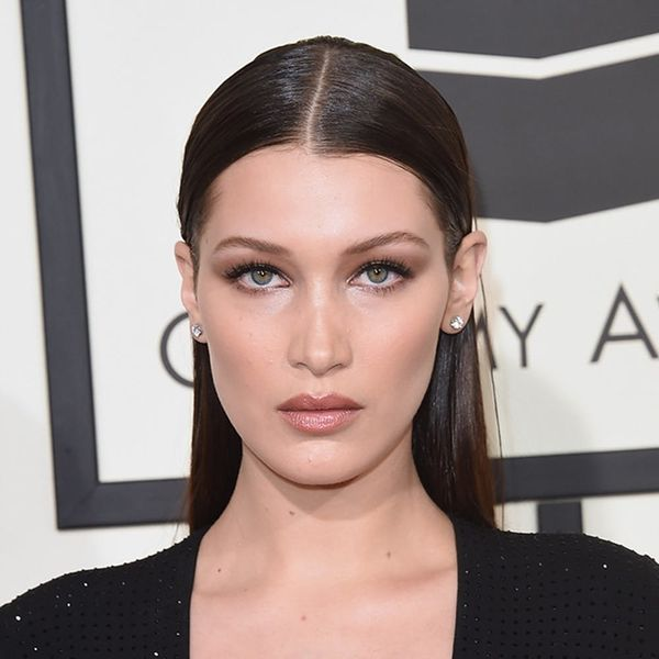 Bella Hadid Used This Bathroom Tool For Her Flawless Grammys Hair