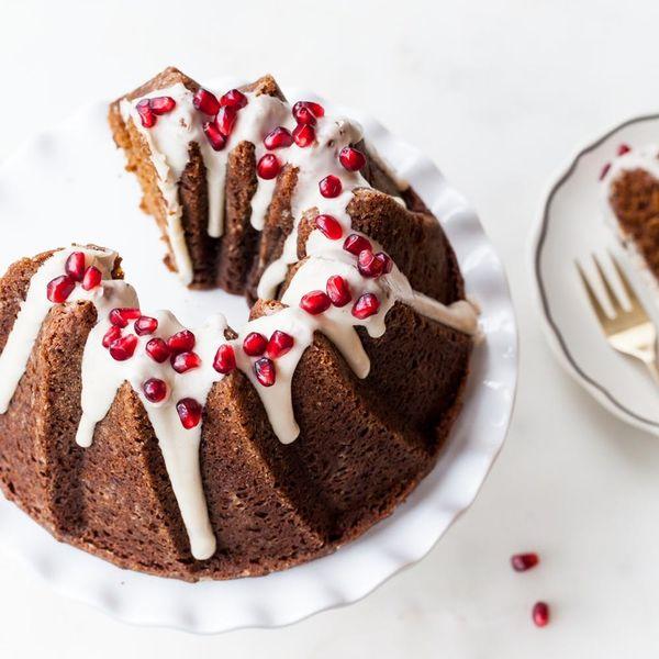 The Prettiest Gingerbread Cake Recipe of the Season