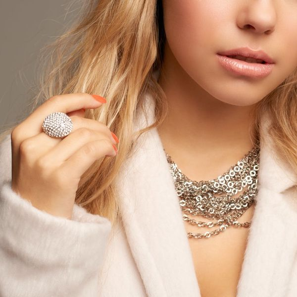 The Most Googled Piece of Jewelry in the World Belongs to This Love-Hate Celeb