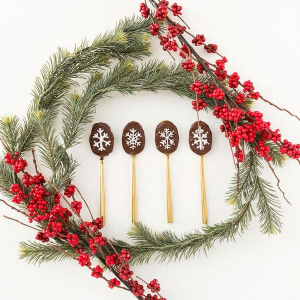 Stir Up Something Sweet With These PB&J Chocolate Spoons