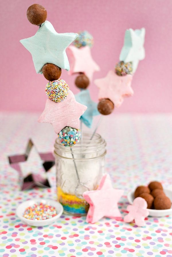 These Marshmallow Candy Kabobs Must Be Your New Festive Tradition