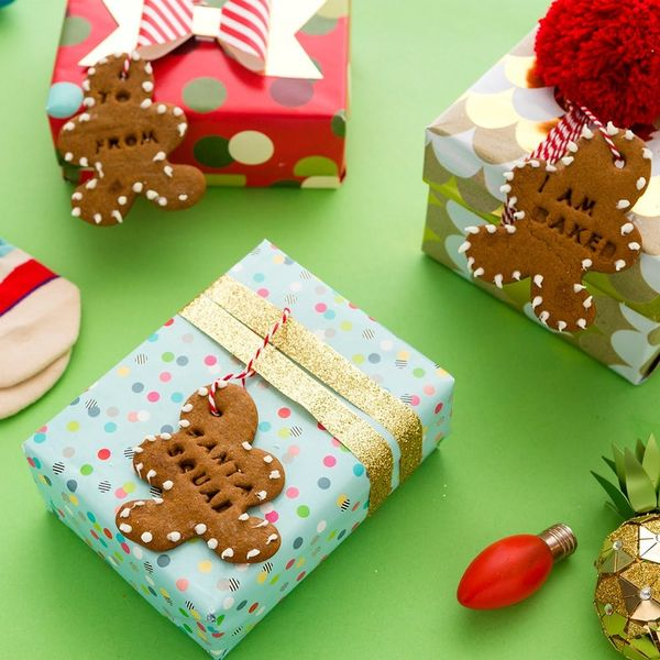 Step Up Your Gift Giving Game With These Gingerbread Men Gift Tags