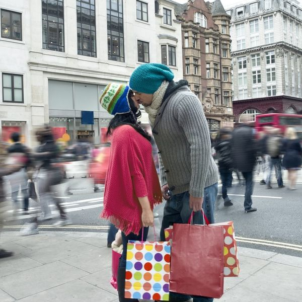 5 Tips for Making Holiday Shopping Stress-Free With Your S.O.