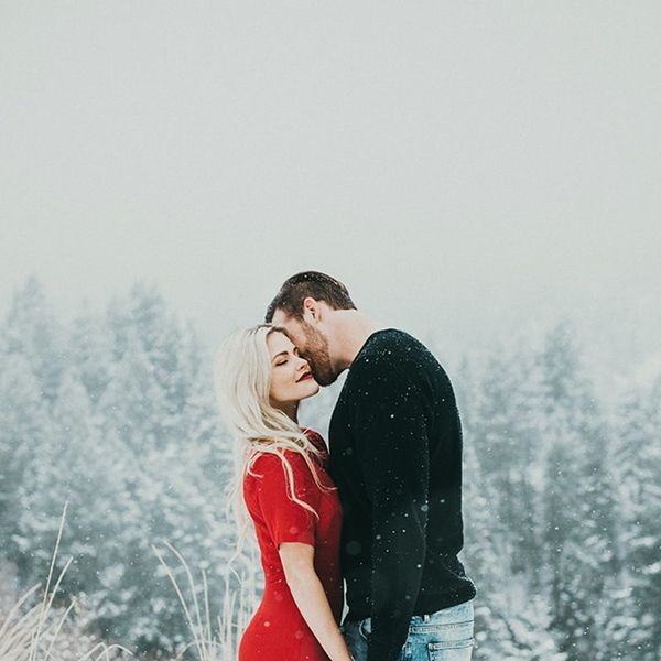 14 Winter Engagement Photos That Will Warm Your Heart