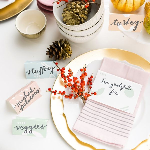 Free Printable Friday: Modern Printables for Your Thanksgiving Tablescape