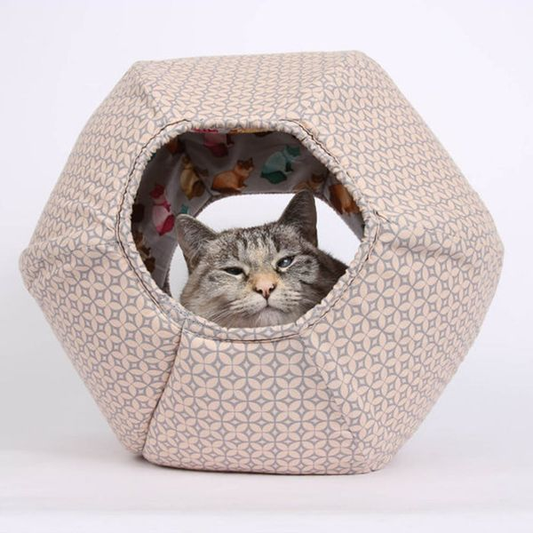 7 Fantastic Handmade Gifts for Feline Loving Friends + Join the Feastivities