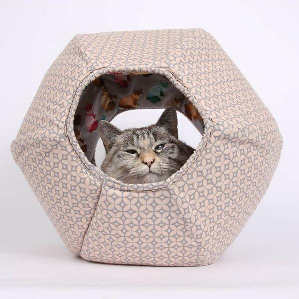 7 Fantastic Handmade Gifts for Feline Loving Friends + Join the Feastivities