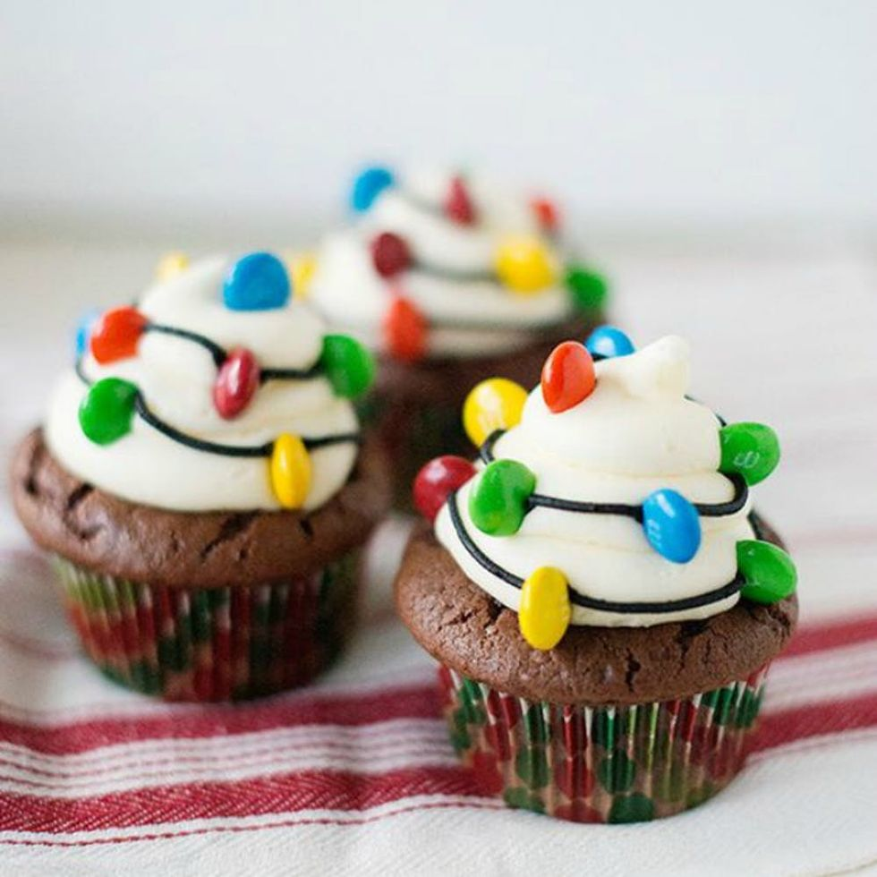 18 Adorable Christmas Cupcake Recipe Ideas That Are Almost Too Sweet To Eat Brit Co