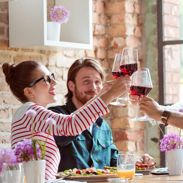 4 No-Fail Expert Tips to Doing Happy Hour on a Diet