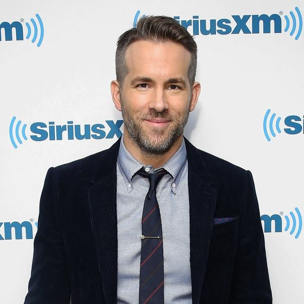 "Ryan Reynolds Being (Viciously) Interviewed by His ""Twin"" Brother Is TOO FUNNY!"