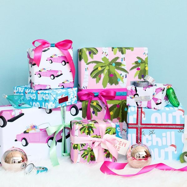 This Free Printable Gift Wrap Will Give You SERIOUS Island Vibes