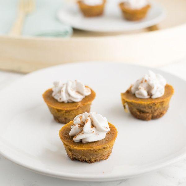 This Mini Vegan Pumpkin Pie Recipe Makes Thanksgiving Complete