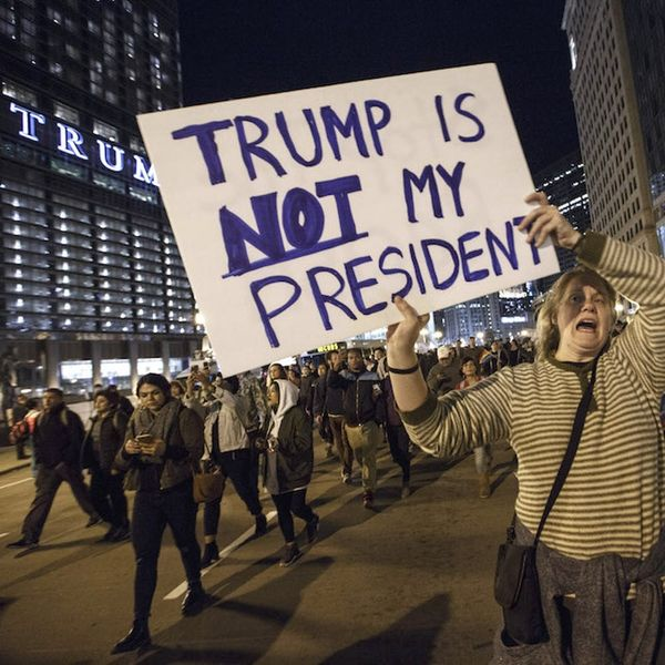 Morning Buzz: Thousands of Anti-Trump Protests Erupted Across America and the Videos Will Give You Chills