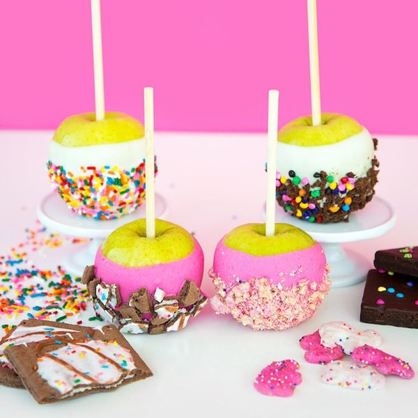 What to Make This Weekend: Candy Apples, Donut Coasters + More