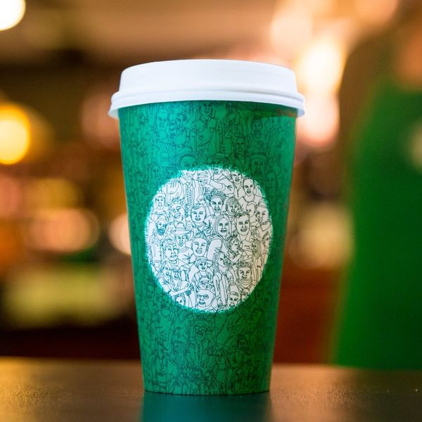People Are HATING on Starbucks New Green Cup Design