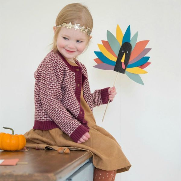 50 Cute + Quirky Thanksgiving Crafts for Kids