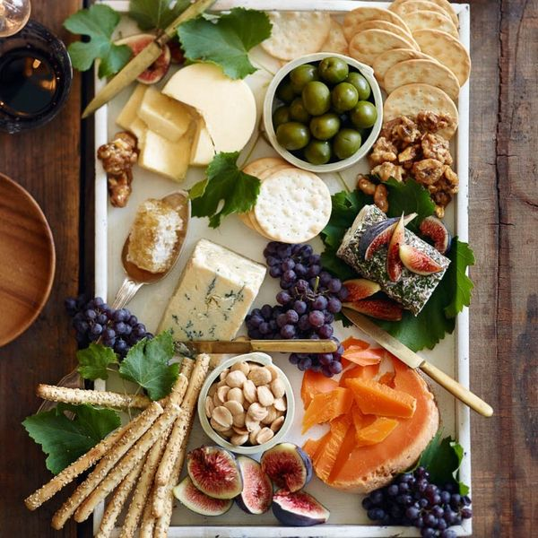 19 Easy Fall Appetizers for Your Friendsgiving Celebration