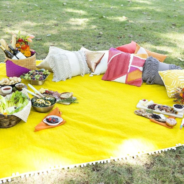 6 Stylish (and Easy!) Ideas for a Colorful Fall Picnic
