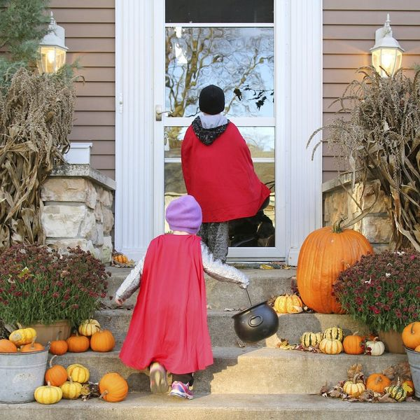DIY This Doorbell for a (Non) Show-Stopping Halloween Night