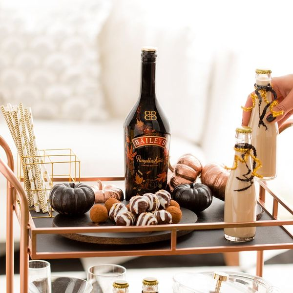 How to Throw a Decadent Rose Gold And Black Halloween Party