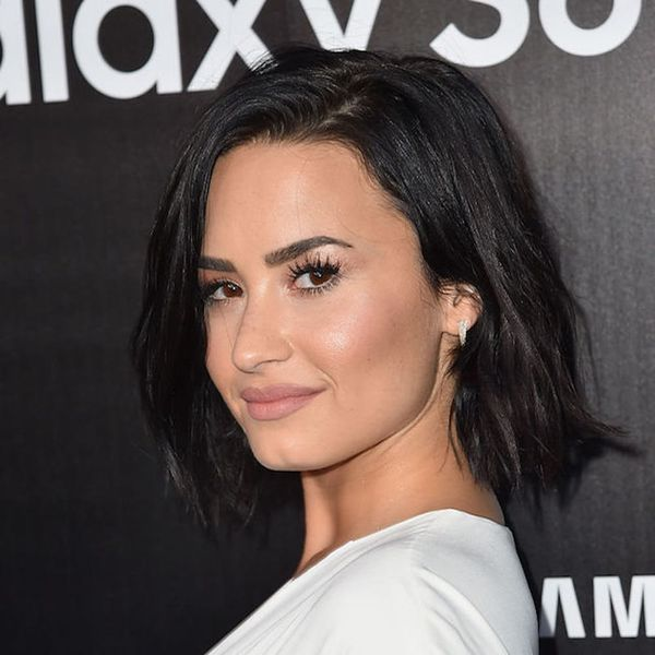 Morning Buzz! Demi Lovato Just Debuted a Stunning New Blonde Look  + More