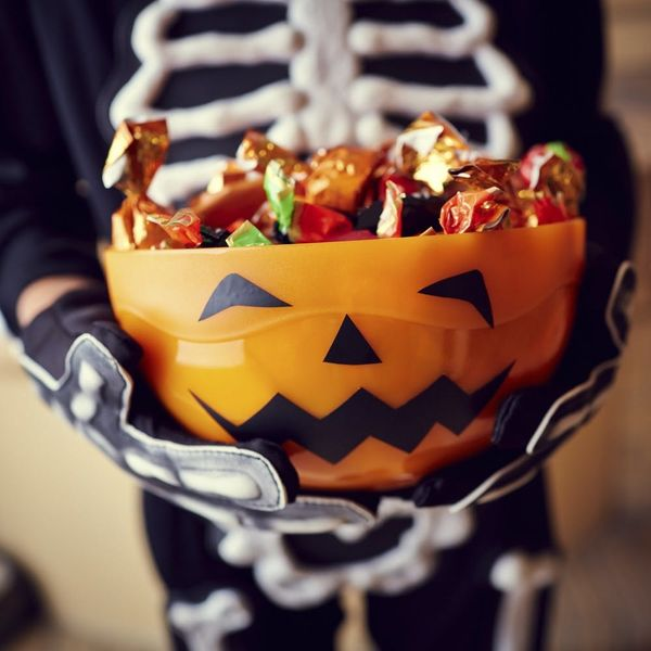 7 Nutritionist Tips for Surviving Halloween Candy Season